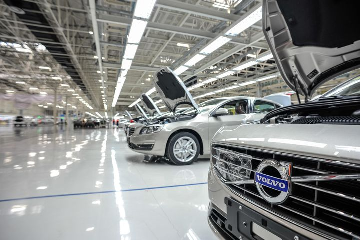 Volvo Gets Stake in Lynk, Links Up With Geely to Form JV