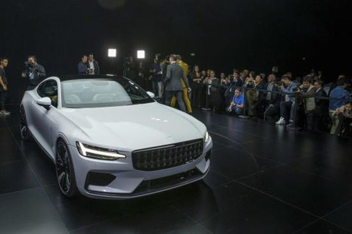 Volvo Introduces High-Performance Electric Vehicle, Challenging Tesla