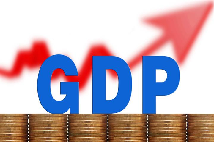 Yicai Chief Economist Poll Trims China's 2021 GDP Outlook to 8.15%